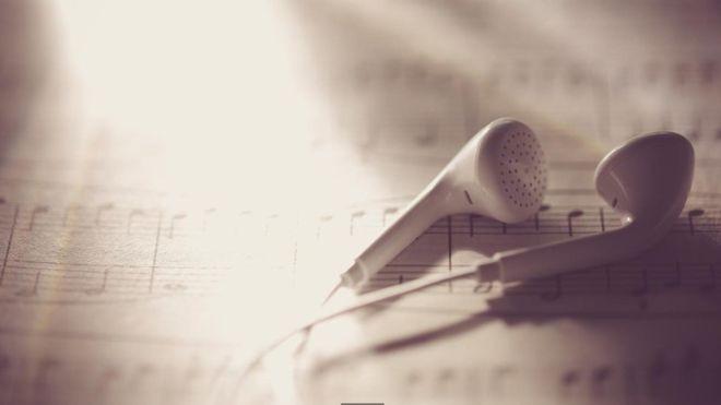 Todo mundo tem a autodisciplina necessária para gastar alguns minutos por dia ouvindo ao menos uma peça de música clássica (Foto: Getty Images via BBC)