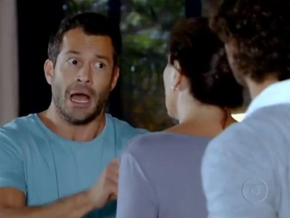 Griselda enfrenta Quinzé em 'Fina Estampa' — Foto: Globo