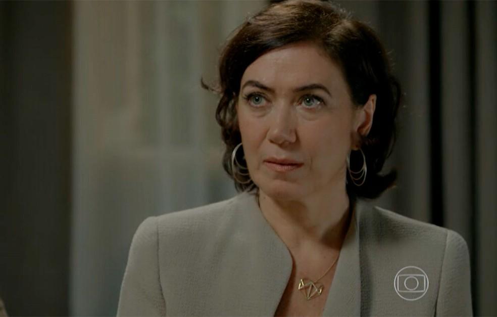 Em 'Império', Maria Marta (Lilia Cabral) consegue convencer Cristina (Leandra Leal) a aceitar seu dinheiro — Foto: Globo