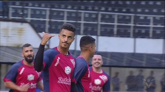 """Santos 2002 vence Peixe 1995 no jogo beneficente """"Natal sem Fome"""""""