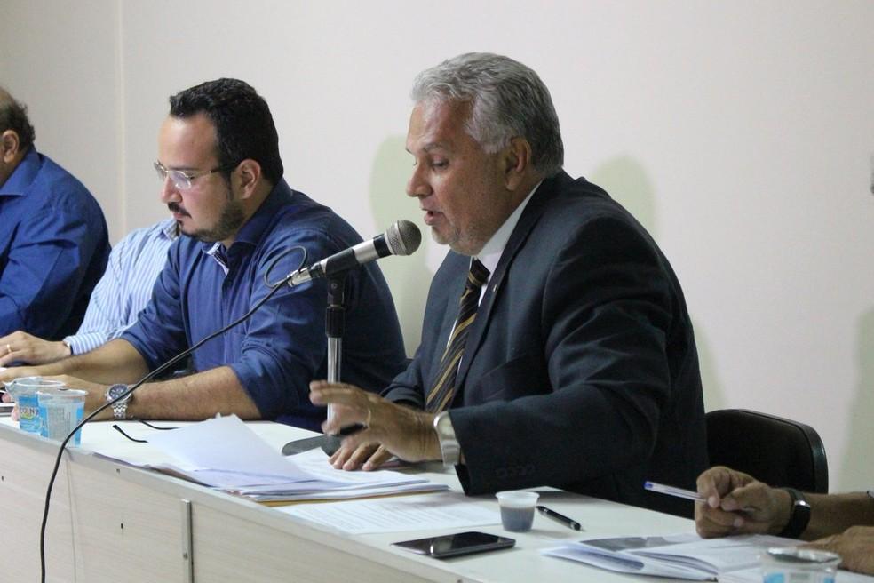 Miguel Bezerra, advogado do Parnahyba (Foto: Wenner Tito/GloboEsporte.com)