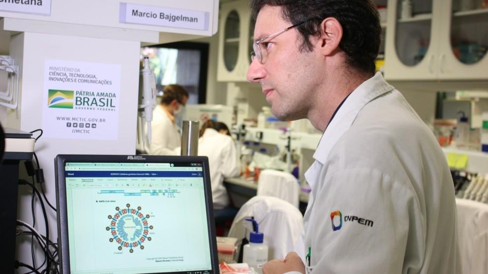 Pesquisador Marcio Chaim Bajgelman, do CNPEM, trabalha no desenvolvimento de técnica antitumoral — Foto: CNPEM/Divulgação