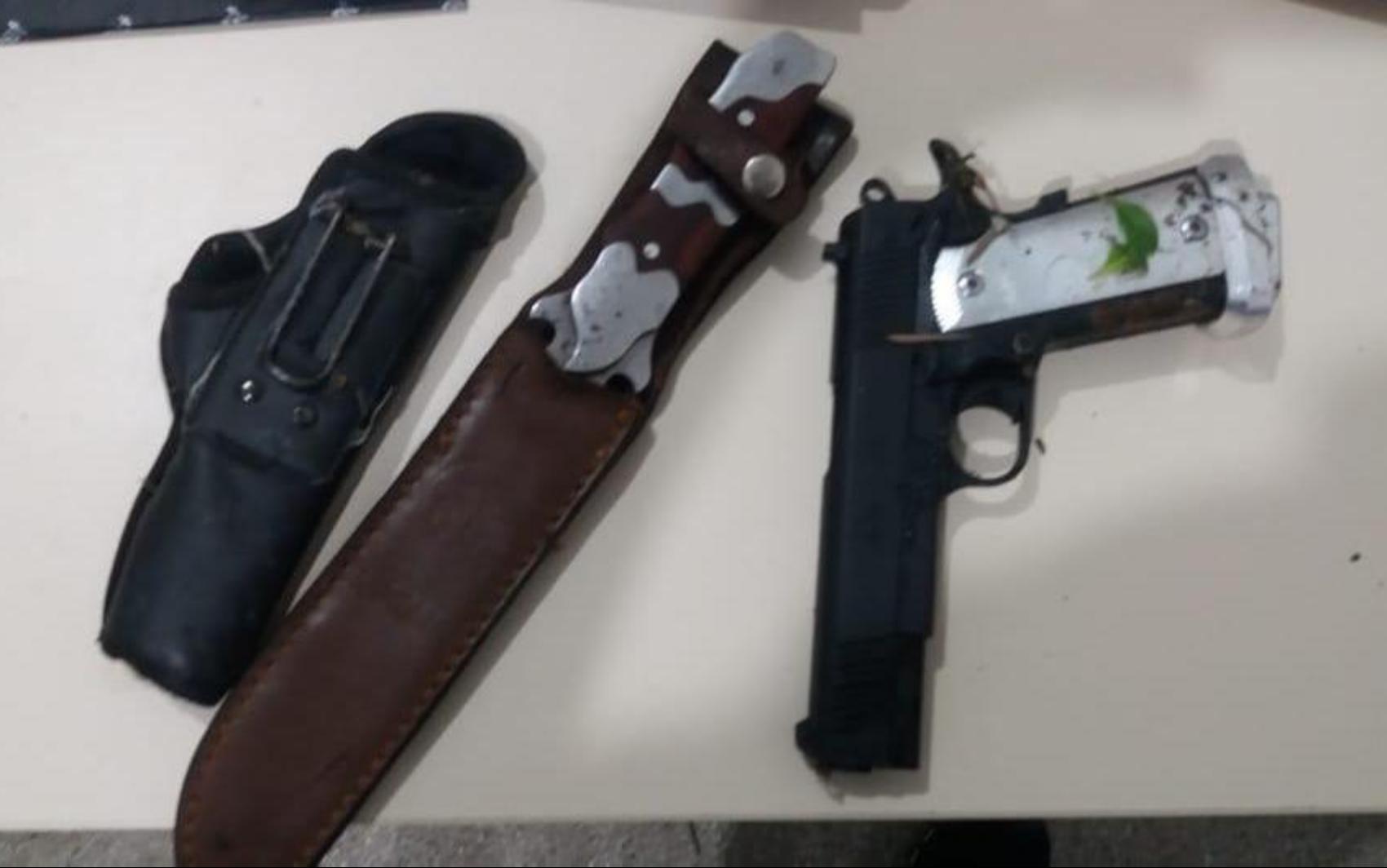 Dupla é presa suspeita de matar mãe e filha com golpes de faca na Bahia