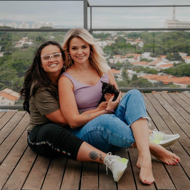 Marcela McGowan e a cantora Luiza (Foto: Reprodução/Instagram)