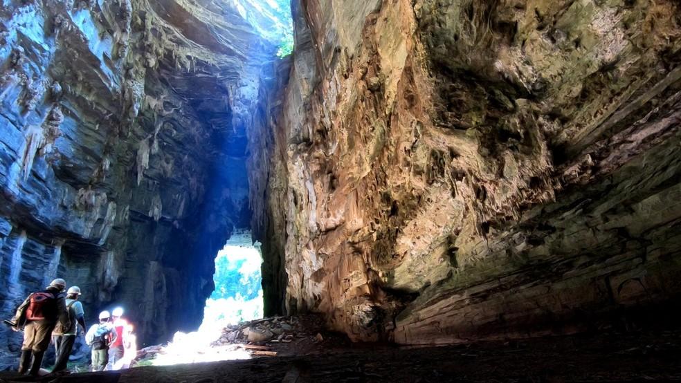 Equipe explorou Parque Nacional Cavernas do Peruaçu, no Norte de Minas — Foto: Marcelo Ferri/TG
