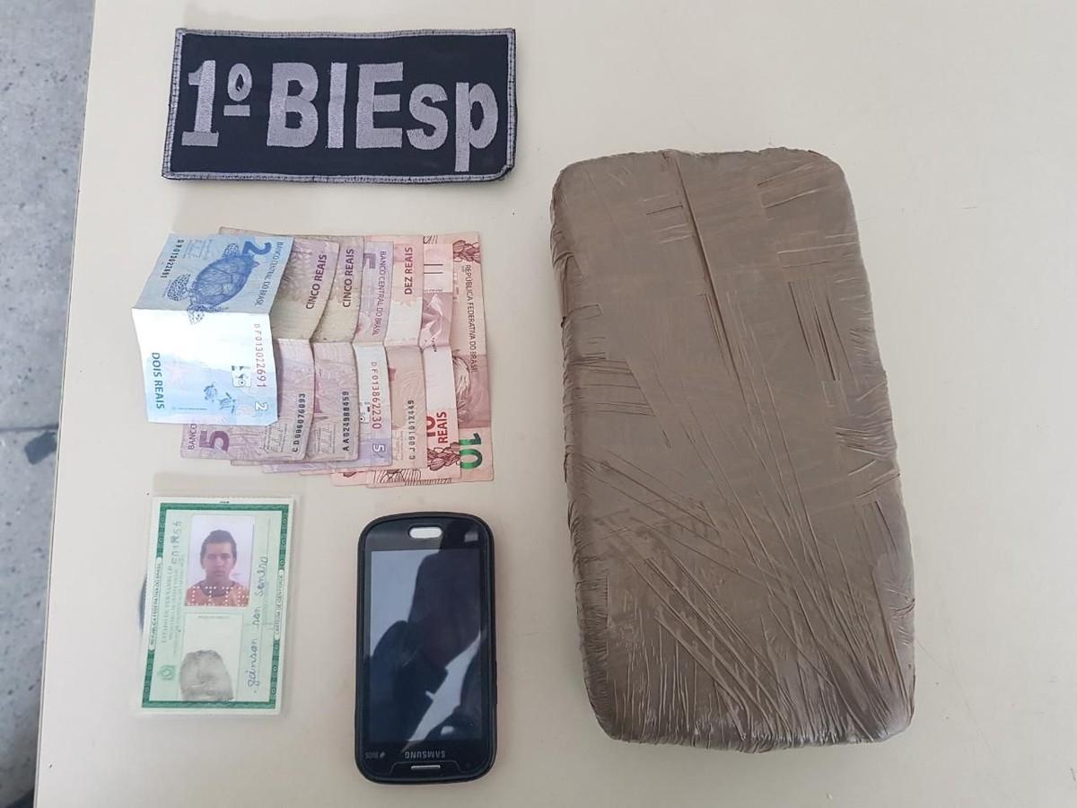 Jovem é detido com 1 kg de maconha em Caruaru, no Agreste