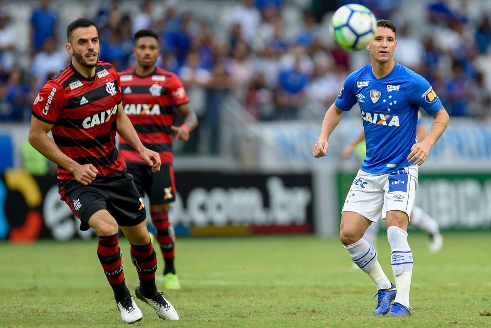 Thiago Neves é ídolo da torcida do Cruzeiro, mas pode sair — Foto: Douglas Magno/BP Filmes
