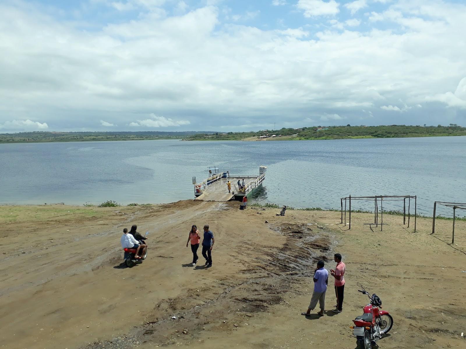 Bombeiros e Marinha ampliam área de buscas, mas não encontram crianças e adulto que sumiram após embarcação virar na Bahia
