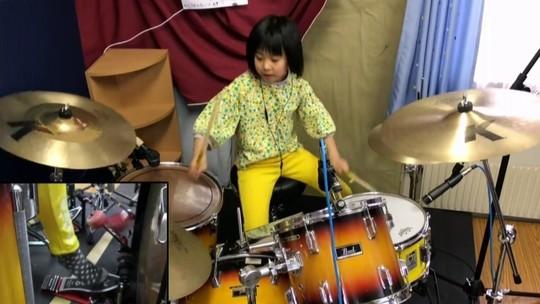 Baterista japonesa de 8 anos chama atenção do fundador do Led Zeppelin