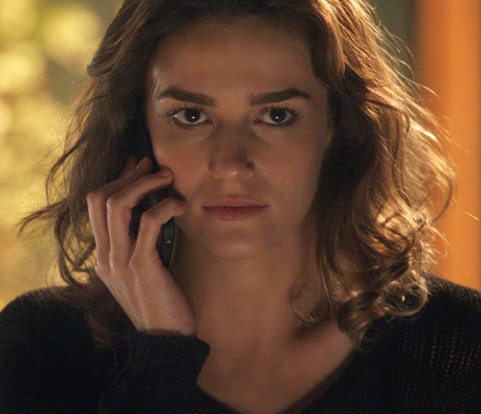 Sofia (Priscila Steinman) planeja acabar com a família — Foto: TV Globo