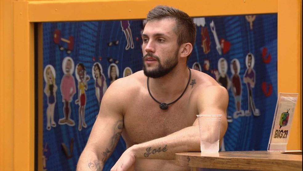 Arthur sobre possível voto de brother no BBB21: 'Para mim não vai ser surpresa nenhuma'