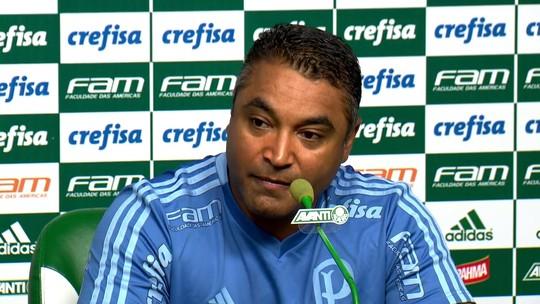 Técnico do Palmeiras lamenta lesão de Daniel Alves e vê Marcos Rocha com chances de ir à Copa