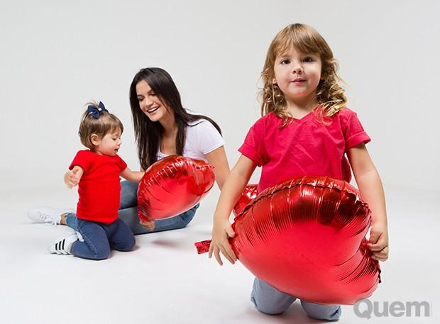 Kyra Gracie com as filhas, Kyara e Ayra (Foto: Anna Fischer)