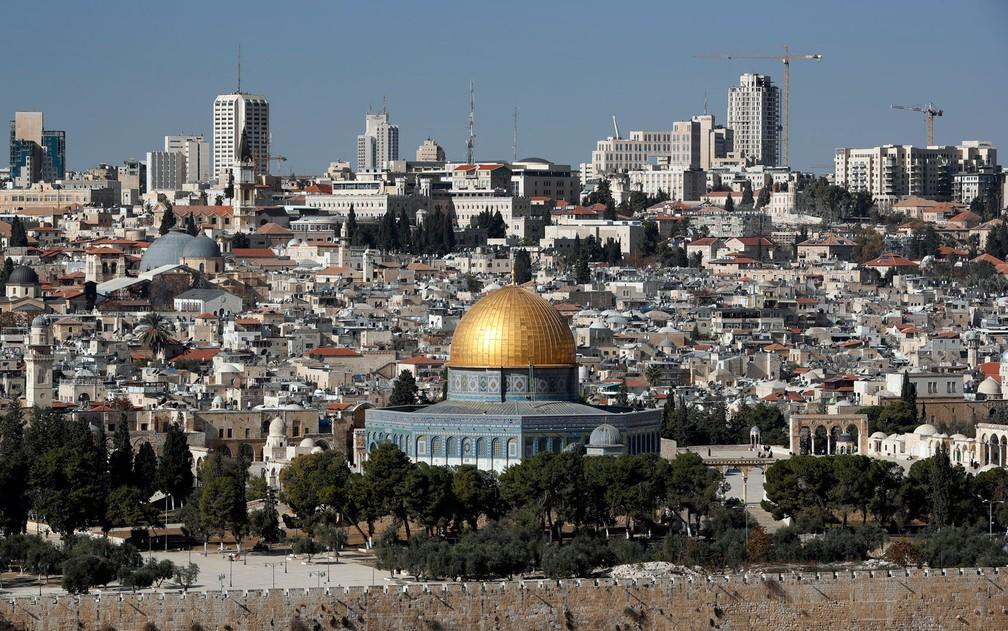 -  Vista geral de Jerusalém, com destaque para o Domo da Rocha, em foto de 1º de dezembro  Foto: Thomas Coex/AFP