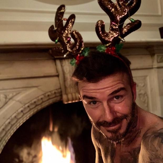 David Beckham mal conseguiu conter a ansiedade para a ceia (Foto: Reprodução/Instagram)