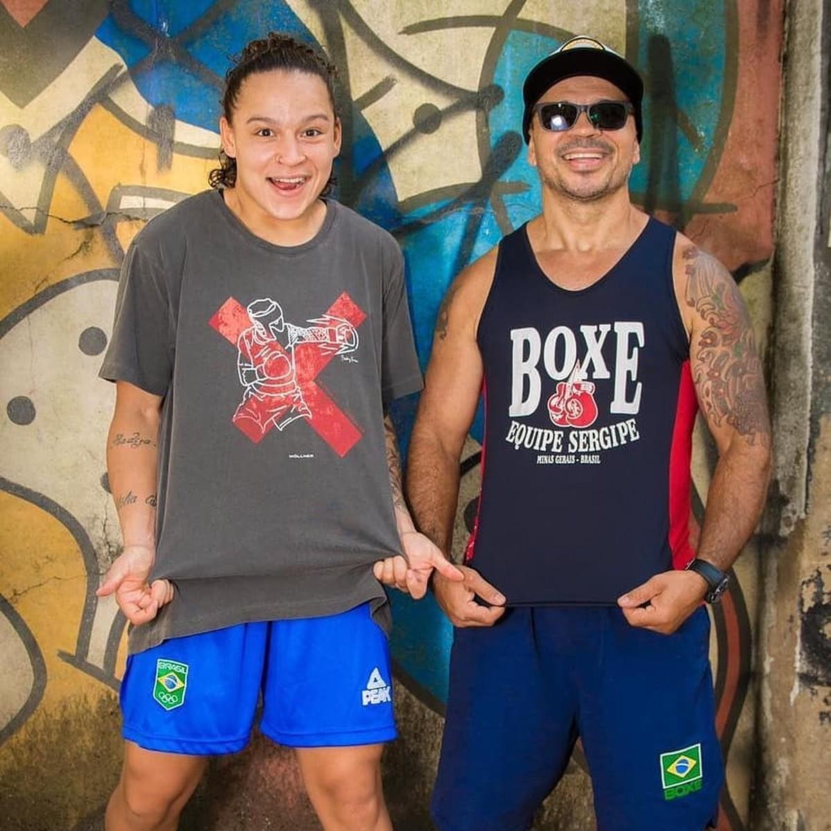 Pai da boxeadora Bia Ferreira fala sobre medalha garantida nas Olimpíadas: 'Pintou a de bronze, mas nosso objetivo é a dourada'