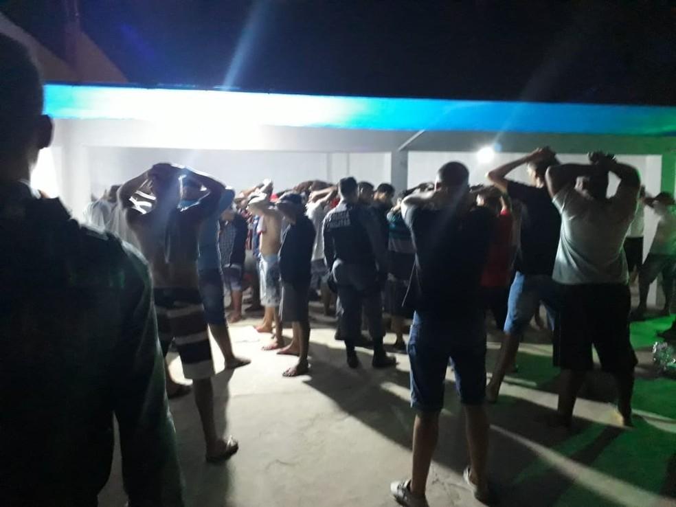 Polícia fechou baile funk promovido por facção em Cuiabá e encontrou 100 adolescentes no local — Foto: Polícia Militar de Mato Grosso/Assessoria