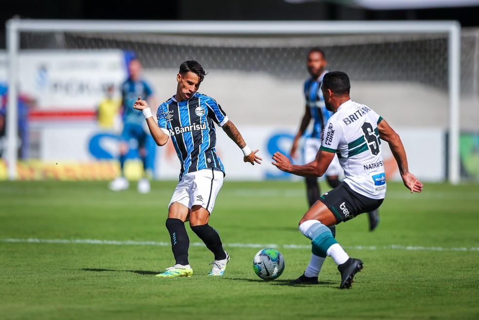 Ferreira ganhou mais uma chance como titular e não aproveitou — Foto: Lucas Uebel / Grêmio FBPA