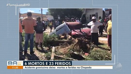 Grave batida entre carreta e micro-ônibus deixa seis mortos e 26 feridos na Bahia; veículos ficaram destruídos