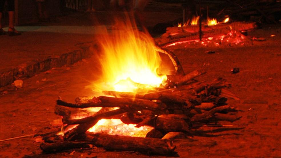 Vereadores aprovam projeto de lei que proíbe fogueiras durante ...