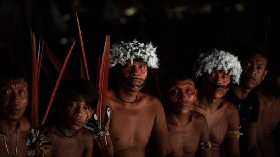 Lideranças dos povos Yanomami e ye'kwana se reúnem em encontro que debateu a presença de garimpeiros no território, em 2019 — Foto: VICTOR MORIYAMA / ISA