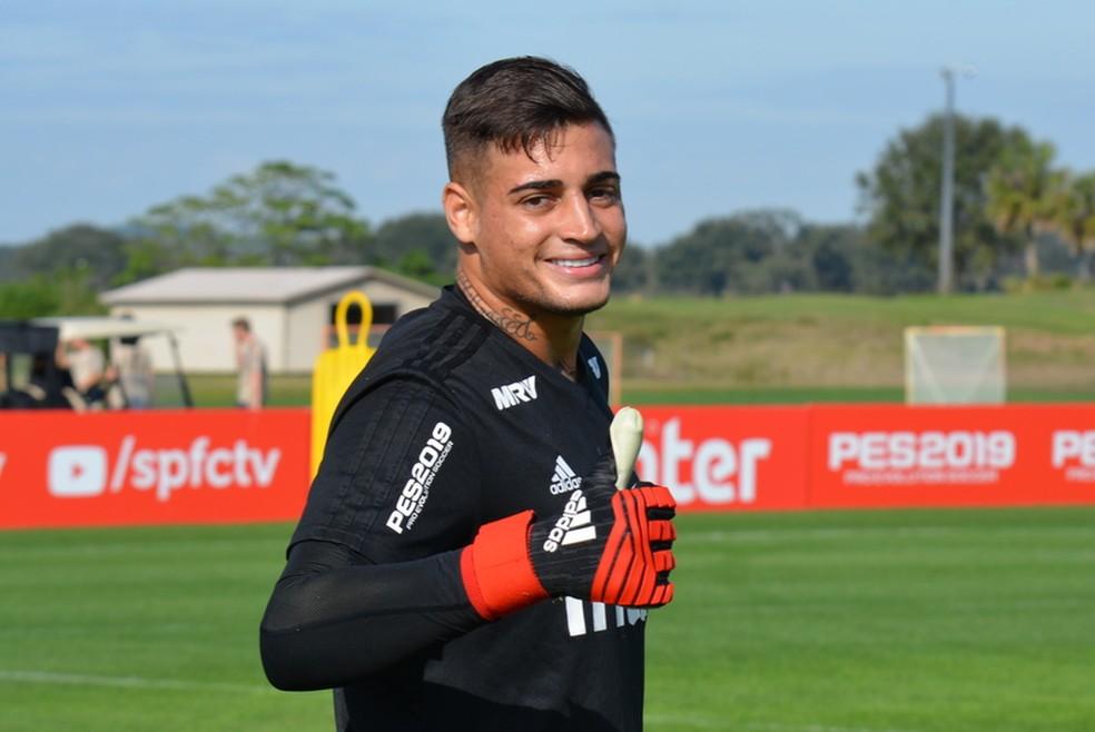 a620622a0 ... Jean treina com o São Paulo nos EUA; Benfica mira goleiro — Foto: Érico