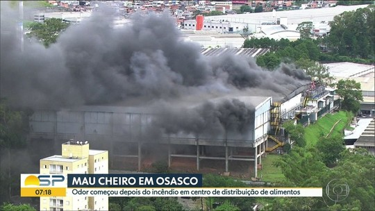 Após incêndio em distribuidora, mau cheiro em Osasco incomoda moradores