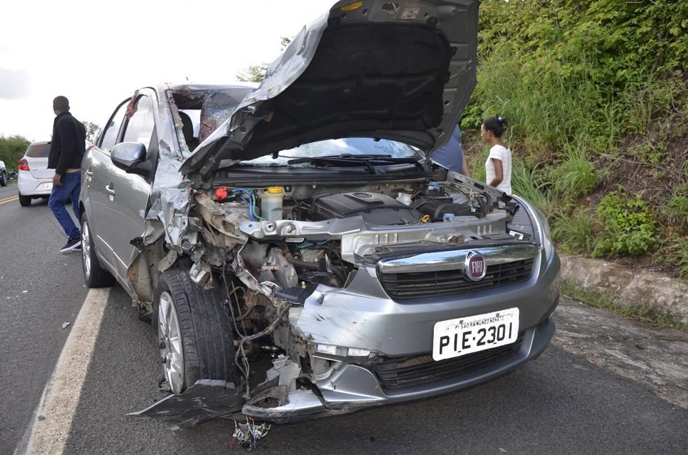 Casal ficou ferido durante colisão na BR-343 — Foto: Portal 121