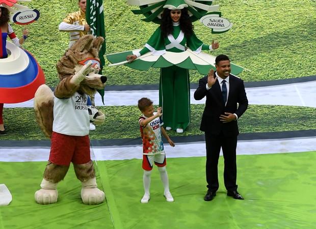 Ronaldo participa da cerimônia de abertura da Copa 2018 (Foto: Getty Images)