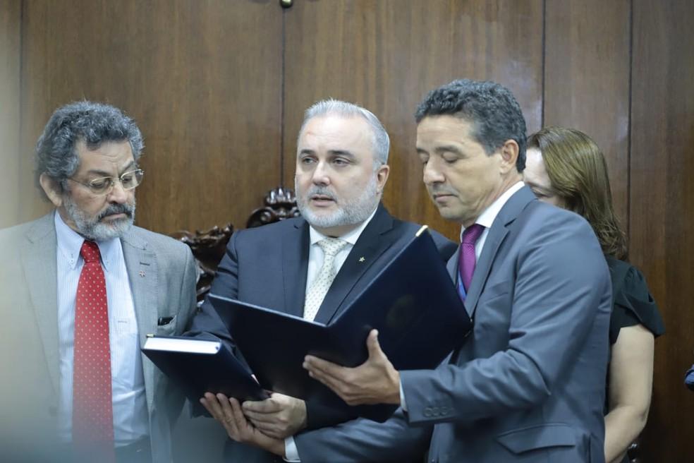 Jean-Paul Prates toma posse como senador do Rio Grande do Norte para mandato de quatro anos — Foto: Vinícius Ehlers/Senado