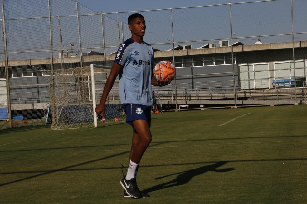Jean Pyerre faz questão de se dedicar ao máximo nos treinos — Foto: Tomás Hammes/GloboEsporte.com