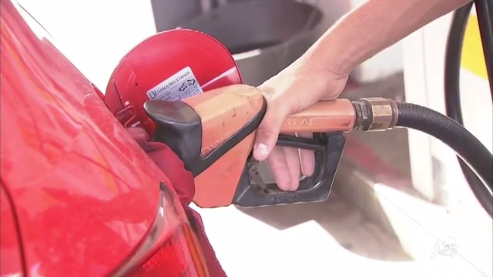 Preço médio da gasolina no Ceará está custando R$ 4,784. (Foto: Reprodução/TV Verdes Mares)