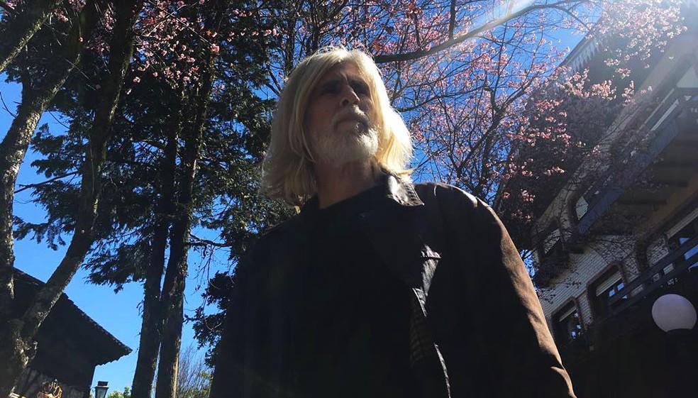 Oswaldo Montenegro acerta o tom delicado da canção 'O azul e o tempo' no single lançado hoje — Foto: Reprodução / Facebook Oswaldo Montenegro