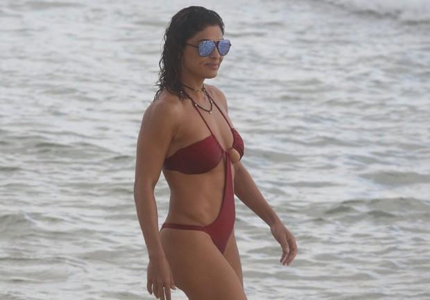 Juliana Paes revela que manda nudes e que sai sem calcinha