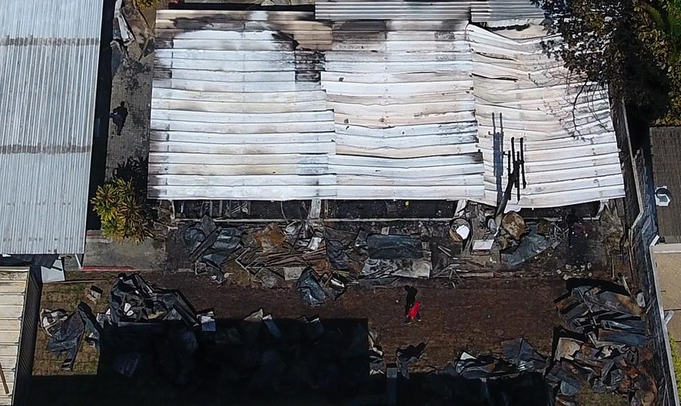 Tragédia vista do alto: o incêndio no Ninho do Urubu — Foto: Agência Estado