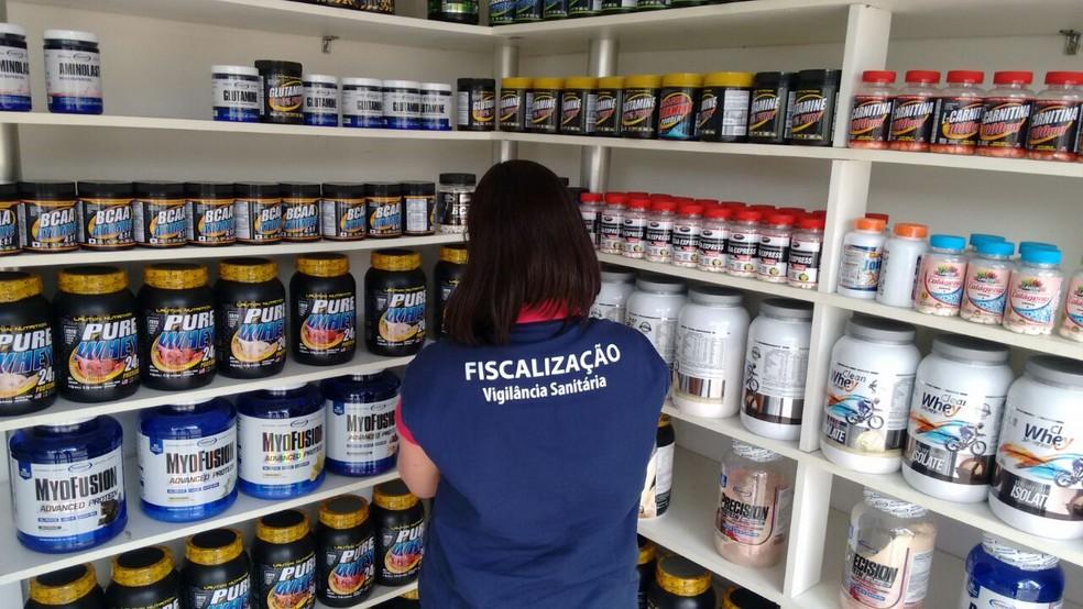 Suspeito tem loja de suplementos (Foto: Polícia Civil/Divulgação)