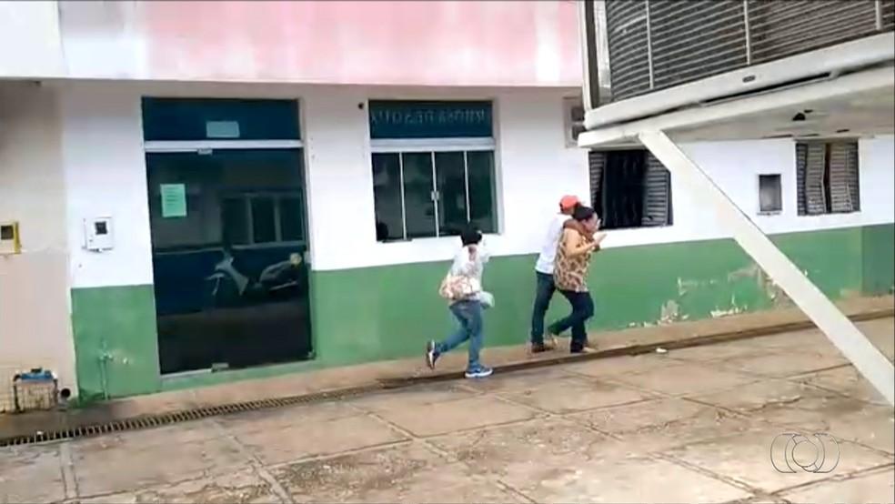 Funcionária da agência foi feita refém por mais de duas horas (Foto: Divulgação)