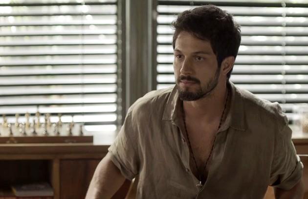 Na segunda-feira (2) Marcos (Romulo Estrela) questionará a Alberto se ele é apaixonado por Paloma (Grazi Massafera) (Foto: TV Globo)
