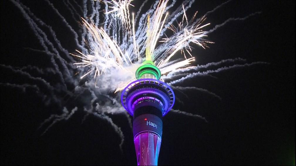 Fogos de artifício na Nova Zelândia marcam a chegada de 2020 — Foto: Reprodução/ GloboNews