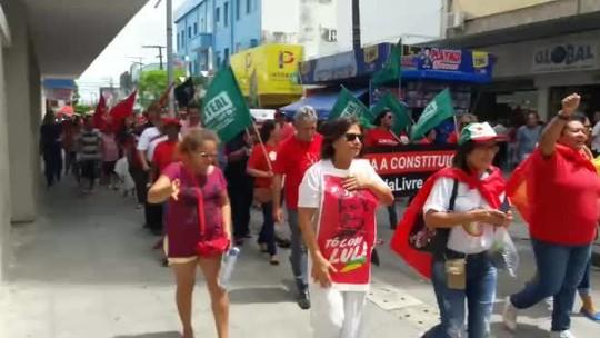 Manifestantes bloqueiam rodovias no interior de Alagoas contra a prisão de Lula
