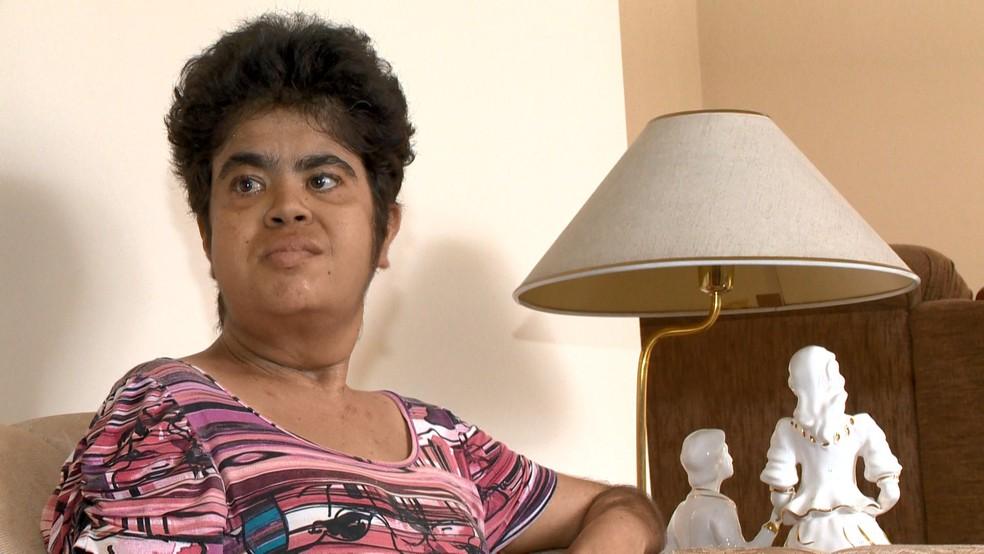 Ieda Aguiar sofre com a falta do medicamento — Foto: Reprodução/TV Gazeta