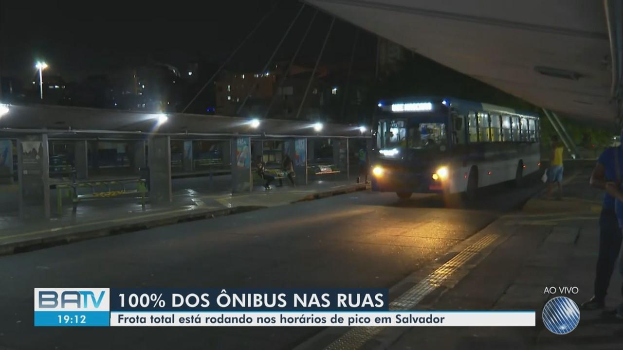 Frota total de ônibus em Salvador volta a rodar em horários de pico