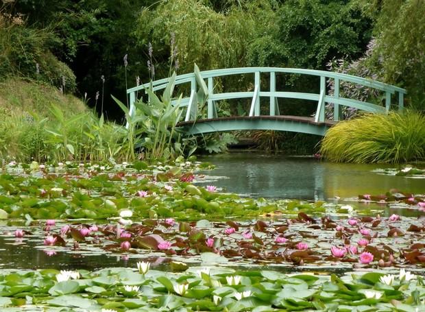 O jardim de Monet em Ginerny (Foto: Down By The Sea/ Reprodução)