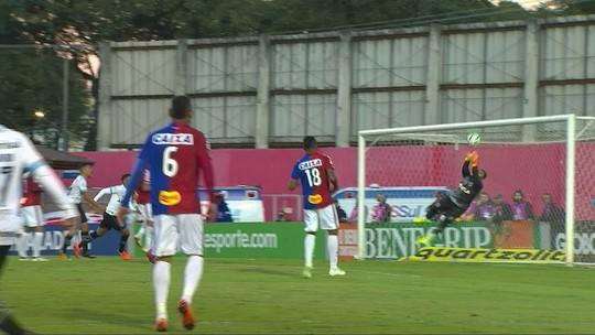 """Destaque em volta ao gol, Thiago Rodrigues """"se escala"""" no Paraná contra o Atlético-PR"""