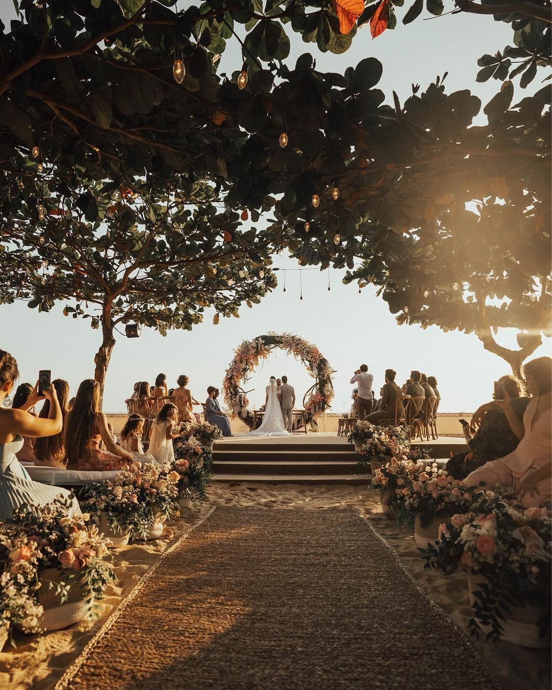 Camila Queiroz e Klebber Toledo se casam em Jericoacoara (Foto: divulgação)