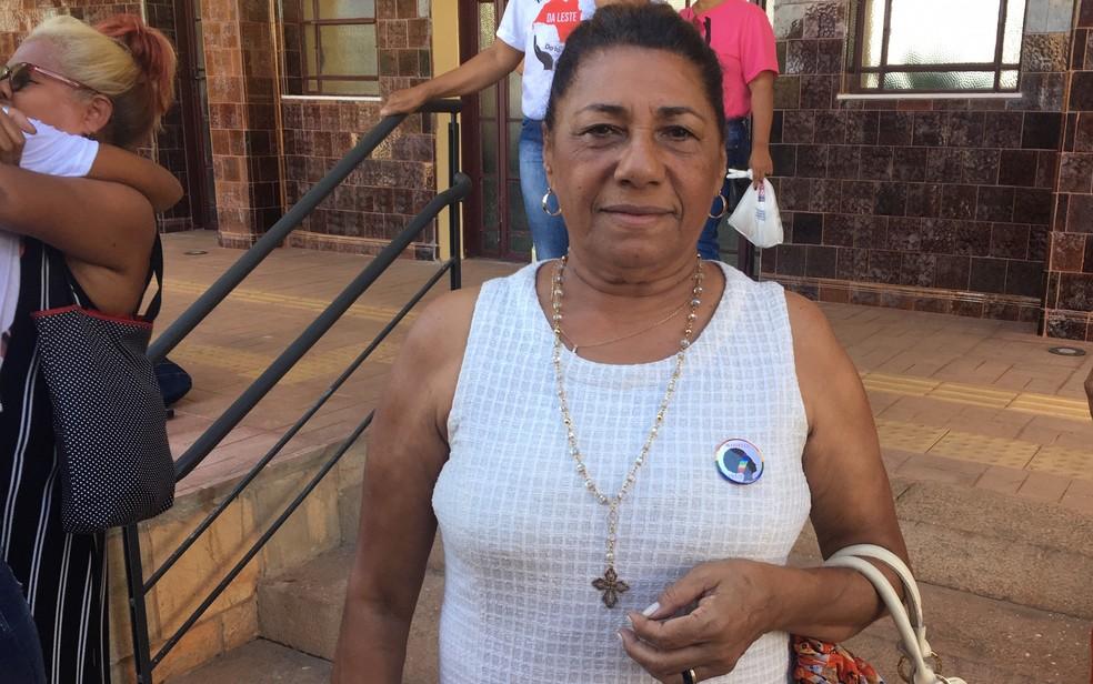 Marinete Silva, mãe da vereadora assassinada Marielle Franco, participa de ato contra a violência, em Goiânia, Goiás — Foto: Sílvio Túlio/G1