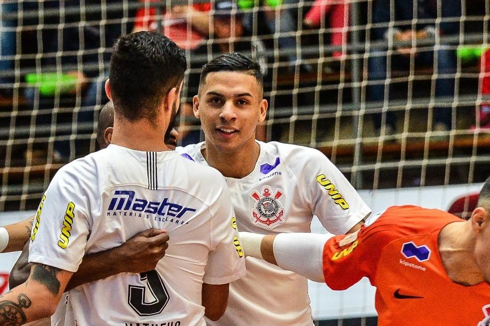 Douglas Nunes jogava futsal pelo Corinthians — Foto: Ricardo Artifon/CBFS
