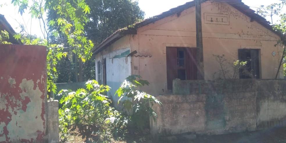 Casas, que deveriam ser cuidadas pelo Governo de SP, estão abandonadas no Hospital Doutor Arnaldo Pezzuti Cavalcanti. — Foto: Arquivo pessoal