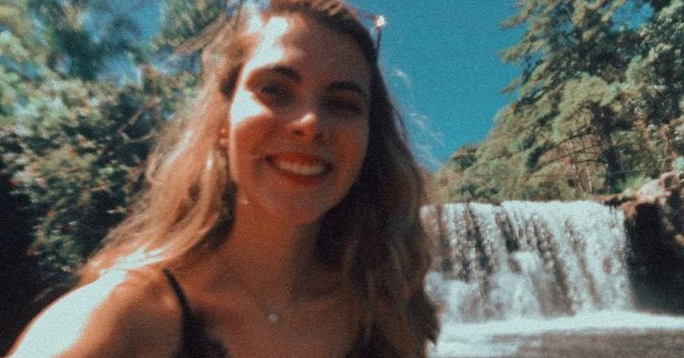 Horas antes do acidente a jovem postou nas redes sociais registros do final de semana em Rio dos Cedros (SC) — Foto: Redes Sociais/Reprodução