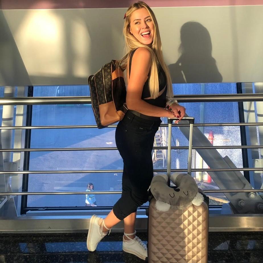 Isabella, do 'BBB19', viaja a trabalho para Dubai após miniférias nos Estados Unidos: 'Ansiosa'